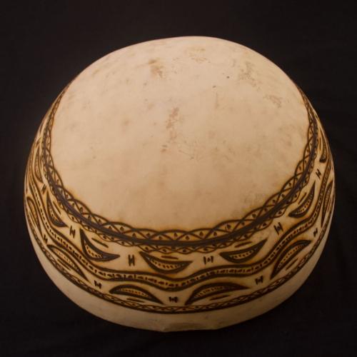 Calabaza de tambor pirograbado
