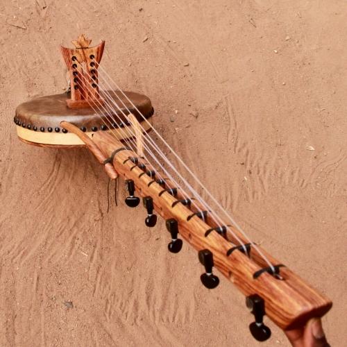 Kamele n'goni 10 cuerdas