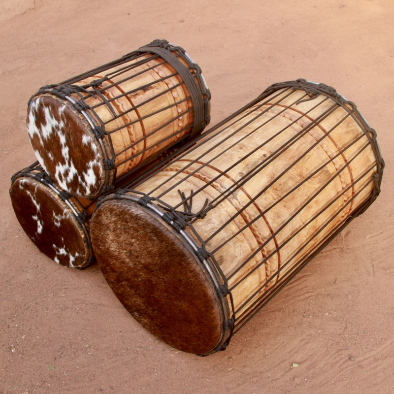 Set of three dununs in white wood