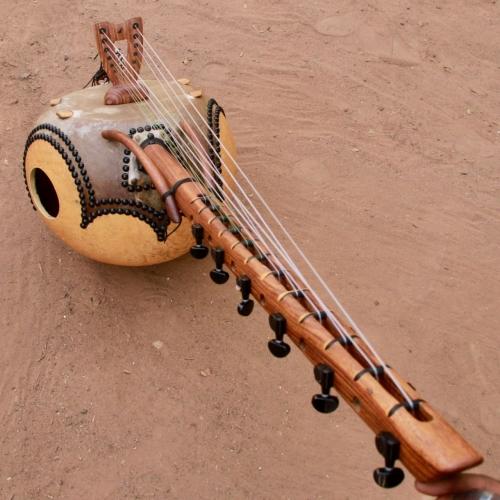 Kamele n'goni 12 cuerdas