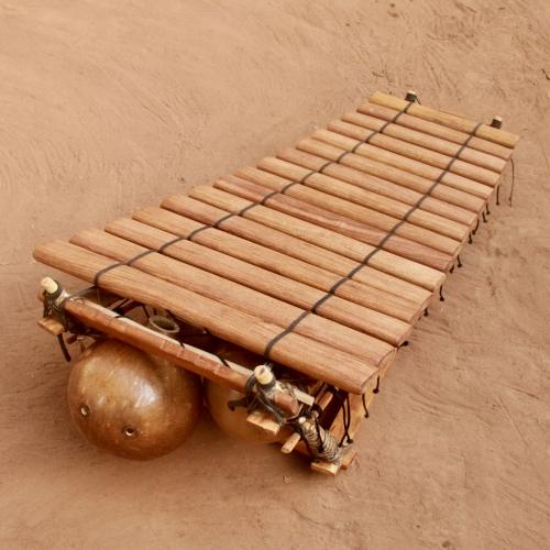"""Bobo"" style balafon 16 keys"