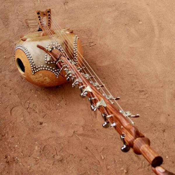 "12 String Kamele N'goni ""Semi Ton"""
