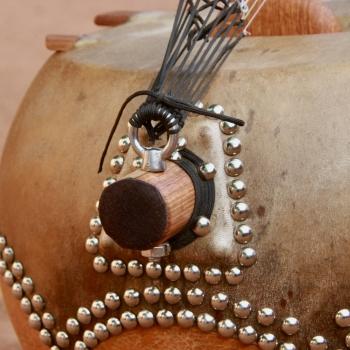 "12 String Kamele N'goni ""Semi Ton"", tailpiece"