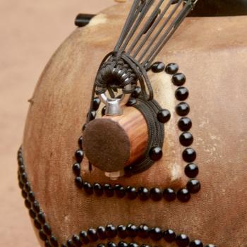 14-string Ebony Kamele n'goni, BaraGnouma, tailpiece