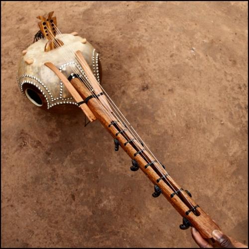 Kamele n'goni 8 cuerdas
