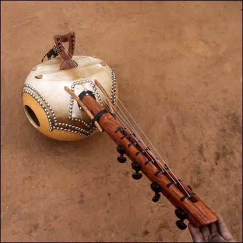Miniatur kamele n'goni 8 strings